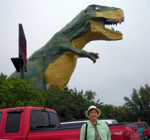 Elaine with Drumheller Dinosaur and our truck