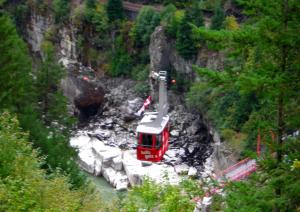 Fraser Canyon Hell's Gate Tramway